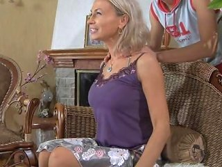Russian Hot Mom 1 Hd